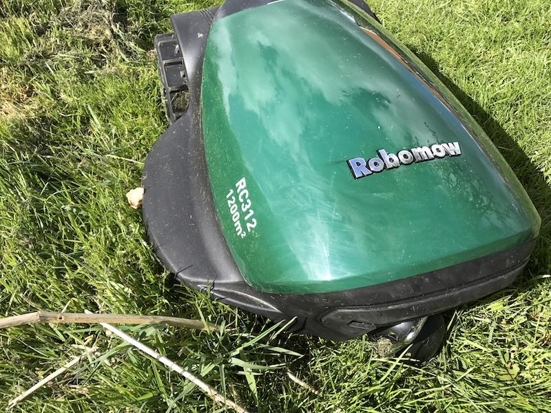 Robomow RC312 Mulchmäher Rasenmähroboter im Test 8