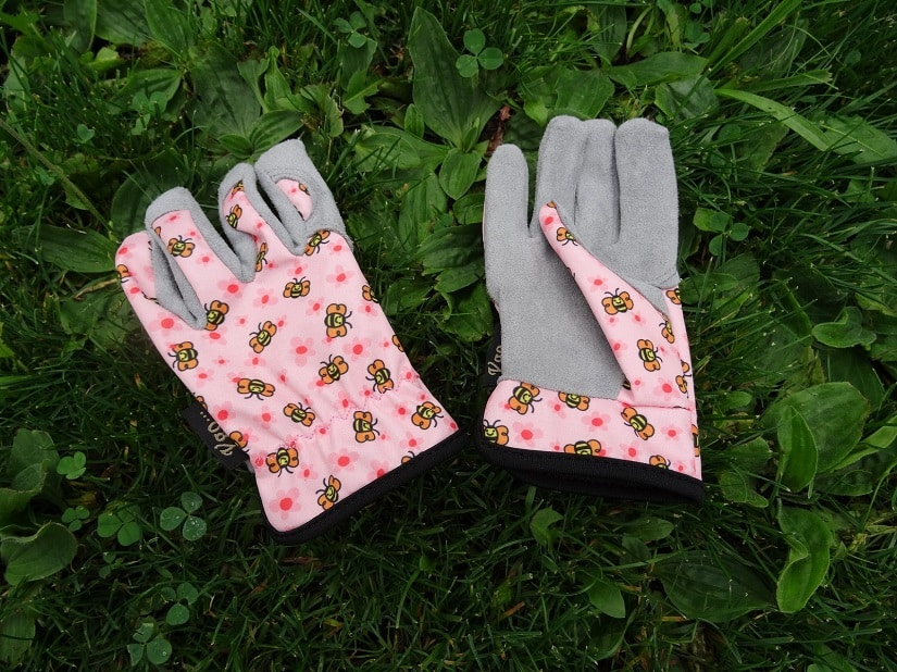 Dünne Gartenhandschuhe sind perfekt für spielende Kinder im Garten