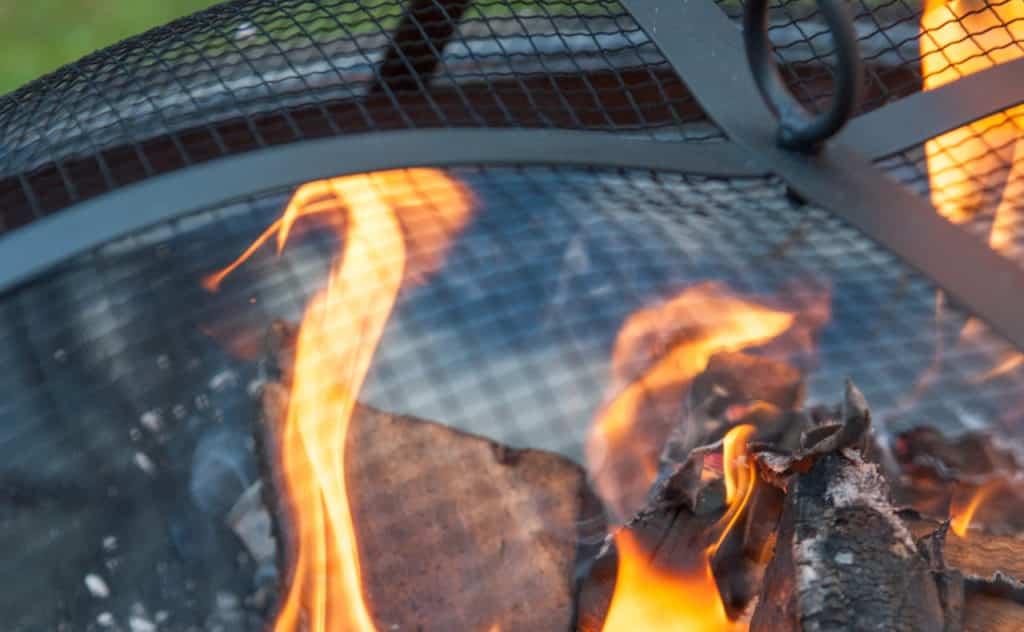 Feuerschale mit Funkenschutz