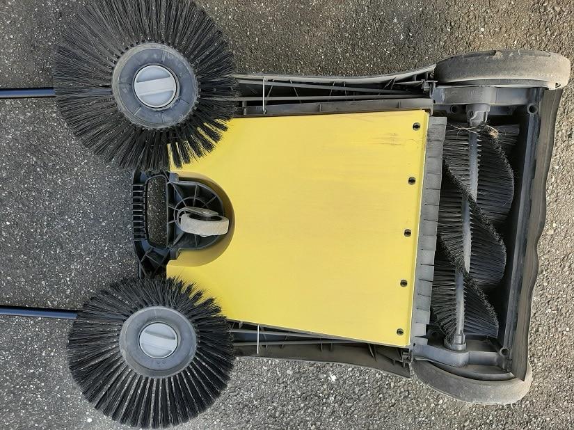 Kombi-Kehrmaschine