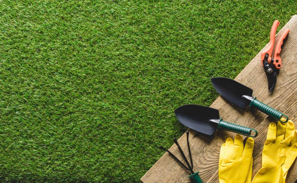 6 Gartengeräte unter 10€, die unglaublich nützlich sind